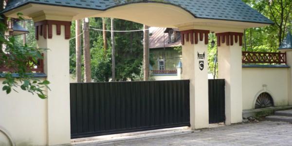 Откатные ворота черные