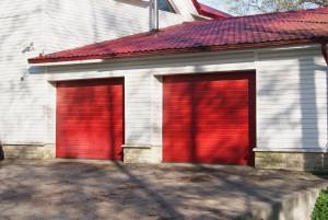 гаражные ворота красные