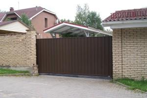Откатные ворота на участок