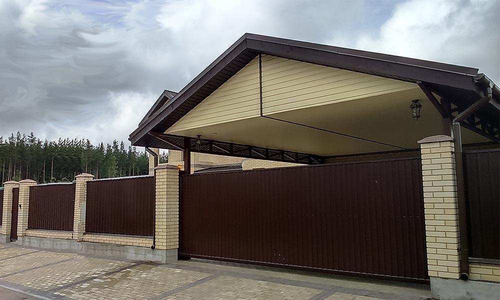 Откатные ворота ТВЕЛЬ с зашивкой проф.листом коричневого цвета по RAL8017