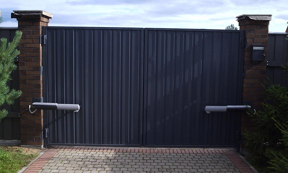 Распашные ворота с зашивкой проф.листом с автоматикой САМЕ ATI